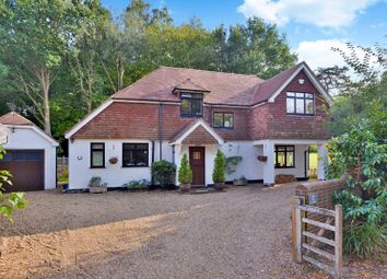 Clock House Lane, Bramley, Guildford GU5. 3 bed detached house
