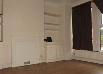 Thumbnail 1 bed flat to rent in Kelvedon Road, London