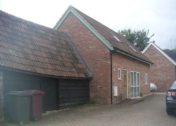 Thumbnail 2 bed detached house to rent in Kentwood Hill, Tilehurst, Reading, Berkshire
