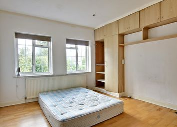 Room to rent in Henville Road, Bromley BR1