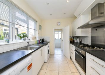 3 bed terraced house to rent in Blackmores Grove, Teddington TW11