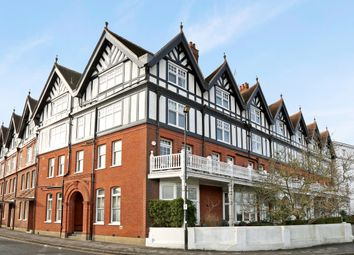 Thumbnail 4 bedroom flat to rent in 12 Royal Mansions, Station Road, Henley-On-Thames, Oxfordshire