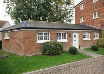 Thumbnail 1 bed bungalow to rent in Michaelis Road, Thame