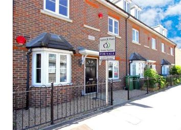 Thumbnail 2 bed maisonette for sale in Queens Avenue, Watford, Hertfordshire