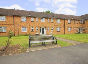 Thumbnail Studio to rent in Manor Farm Close, Windsor, Berkshire