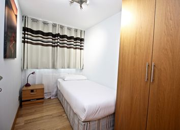 Thumbnail Room to rent in Clipstone Street, London