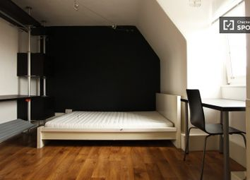 Thumbnail 4 bed shared accommodation to rent in Peckham Road, London
