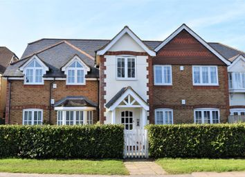 Thumbnail 3 bed flat for sale in Amersham Road, Hazlemere, High Wycombe