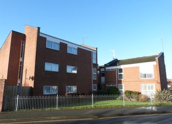 Thumbnail 2 bed flat to rent in Lansdowne Road, Worcester