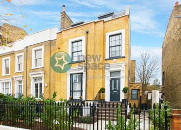 Thumbnail 3 bedroom flat to rent in King Edward's Road, London Fields