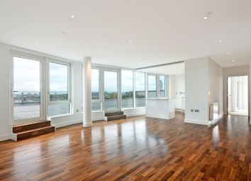 Thumbnail 3 bedroom flat to rent in Norman Road, London