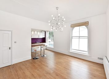 Thumbnail 2 bed flat to rent in Lauriston Road, Hackney