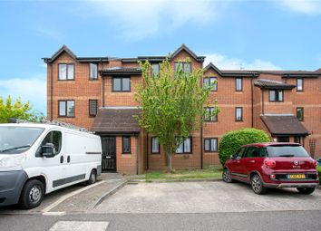 Thumbnail 1 bed flat to rent in Courtlands Close, Watford, Hertfordshire