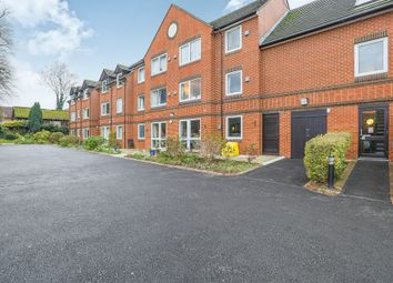Thumbnail 2 bed flat for sale in Oak Road, Crawley