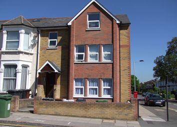 2 bed flat to rent in Sandhurst Road, London SE6