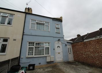Thumbnail 2 bedroom flat to rent in Saxon Road, Ilford