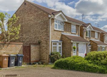 Thumbnail 3 bed detached house for sale in Foxes Close, Hertford