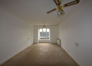 1 bed property for sale in Farm Close, Staines-Upon-Thames TW18