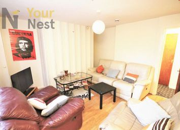 Thumbnail 3 bed flat to rent in Hollybank, Headingley