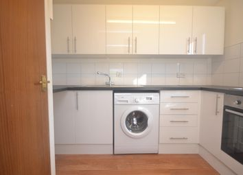 Thumbnail 1 bed flat to rent in Tippets Rise, Reading