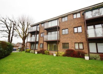 Thumbnail 2 bed flat to rent in Cardinal Close, Caversham, Reading