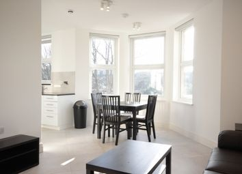 2 bed flat to rent in The Grove, Ealing, London W5