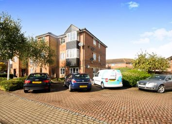 2 bed flat for sale in Lowden Road, Southall UB1