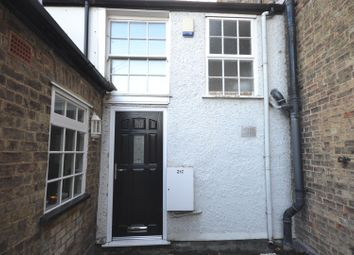 Thumbnail 2 bed flat to rent in High Street Back, Ely
