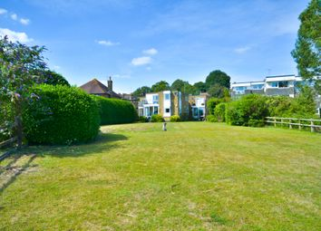 Lower Street, Pulborough RH20. 2 bed flat for sale