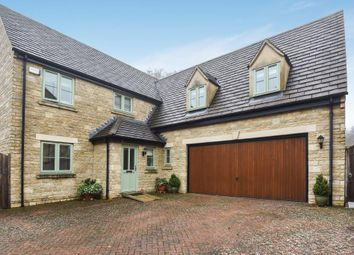 Thumbnail 5 bed detached house for sale in Foxfield Court, Chipping Norton