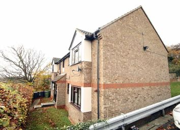 Thumbnail 1 bed flat to rent in Geralds Road, High Wycombe