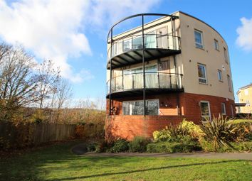 Thumbnail 2 bed flat for sale in Kernmantle House, The Roperies, High Wycombe
