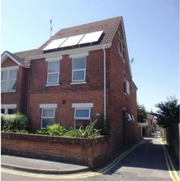 Thumbnail Property to rent in Maple Road, Poole