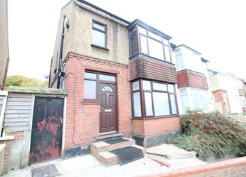 3 bed property to rent in Dallow Road, Luton LU1