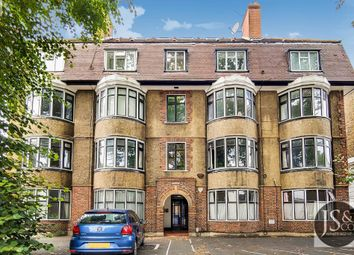 Avenue House, Kings Avenue, London SW4. 3 bed flat