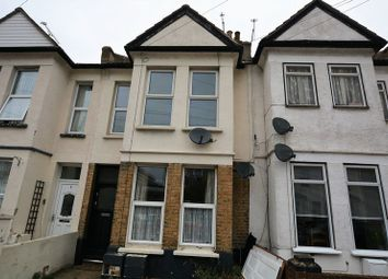 Thumbnail 1 bed flat to rent in Guildford Road, Southend-On-Sea