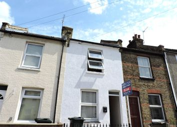 Thumbnail 2 bedroom detached house to rent in Howard Road, Dartford