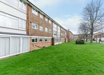 Thumbnail 2 bedroom flat for sale in Westbourne Court, Westbourne Avenue, Sutton, Surrey