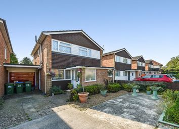 Pine Drive, Southampton SO18. 3 bed link-detached house