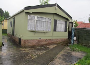 Thumbnail 2 bed mobile/park home for sale in Elm Court Park, Chelmsford Road, Blackmore, Essex