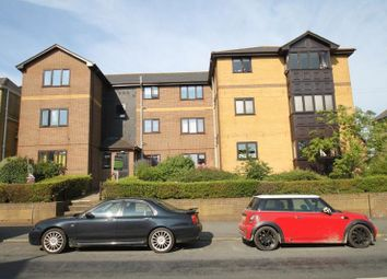 Thumbnail 2 bed flat to rent in Newport Road, Cowes
