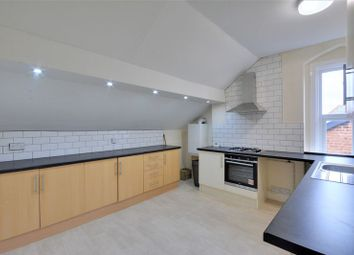 3 bed flat to rent in Crescent Road, Birkdale, Southport PR8