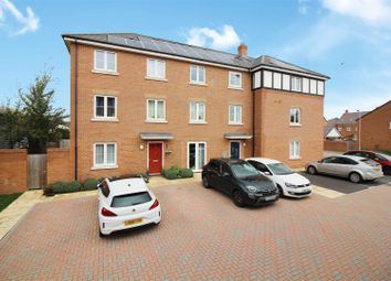 2 bed flat for sale in Chappell Close, Aylesbury HP19