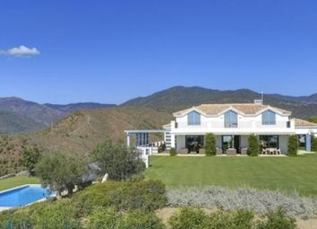 Thumbnail 5 bed property for sale in Benahavís, Spain
