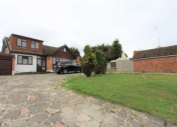 Thumbnail Detached house to rent in Hainault Grove, Chigwell, Essex