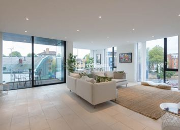Thumbnail Flat to rent in Latitude House, Camden