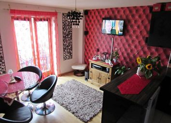 Thumbnail 2 bed flat to rent in Victoria Street, Kettering