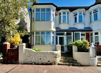 Hadleigh Road, Westcliff-On-Sea, Essex SS0. 3 bed detached house