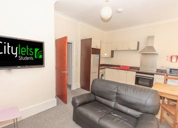 Thumbnail 3 bed flat to rent in Radnor Street, Plymouth