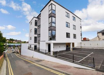 2 bed flat for sale in Old Road, Chatham, Kent ME4
